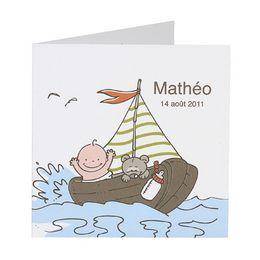 Invitatie vesela design cu o barcuta pe mare