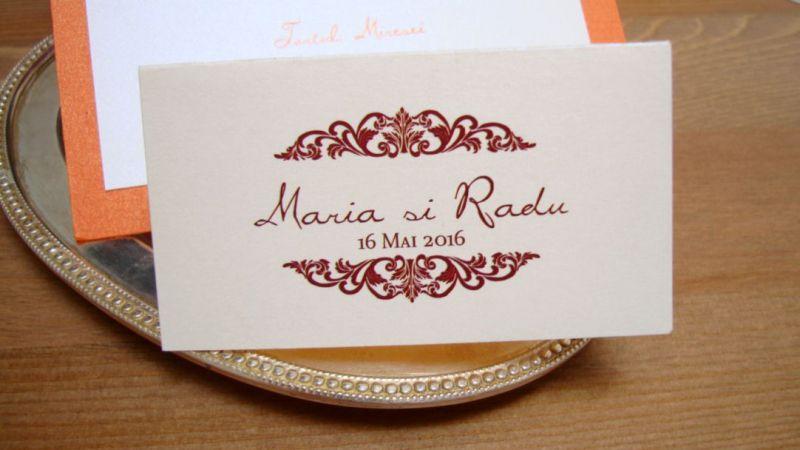 Carduri masa cu numele invitatului