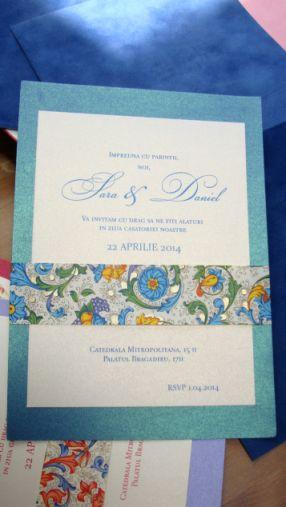 Invitatie nunta cu esarfa din hartie decorativa albastru si auriu - poza 4