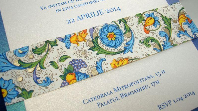 Invitatie nunta cu esarfa din hartie decorativa albastru si auriu - poza 3