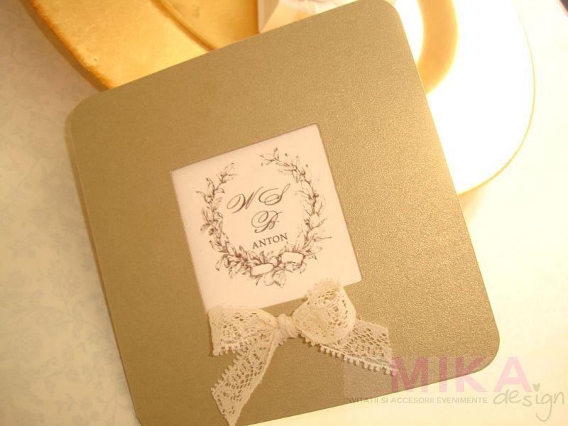 Invitatie nunta aurie cu monograma - poza 3