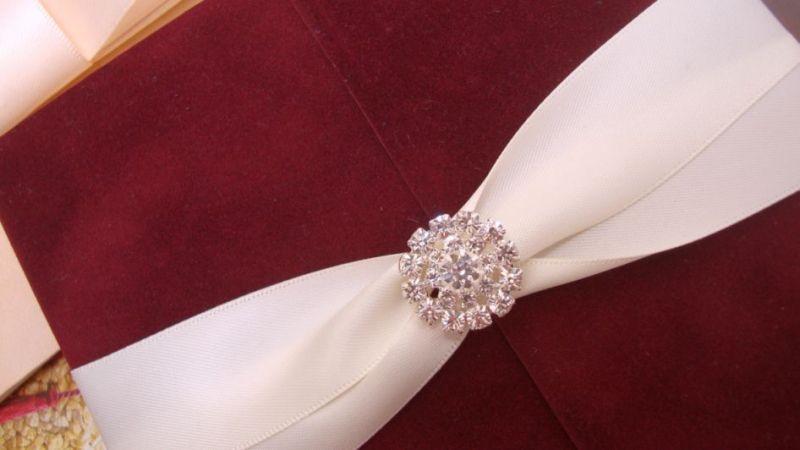 Invitatie nunta din catifea bordeaux, visiniu - poza 2