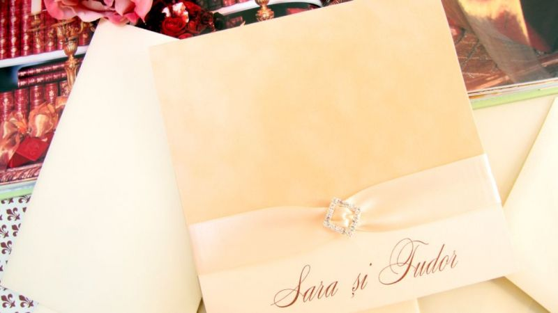 Invitatie nunta catifea bej si funda satin ivory - poza 2