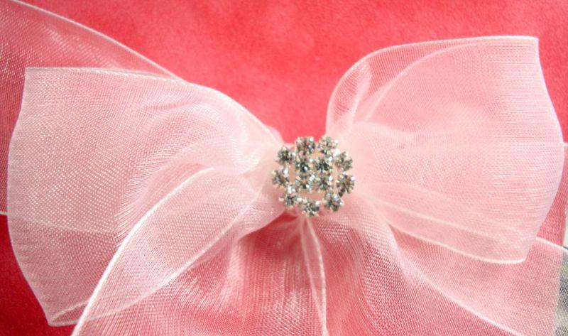Invitatii nunta din catifea frez si funda organza si accesoriu din cristale - poza 4