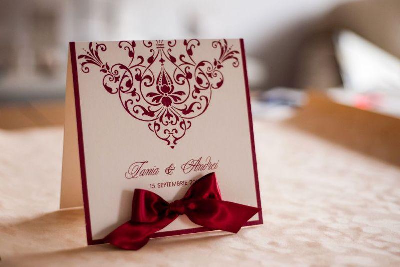 Invitatie nunta crem cu bordeaux - poza 1