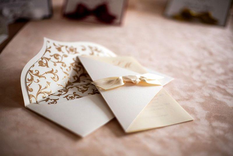 Invitatie nunta crem cu funda satin - poza 5
