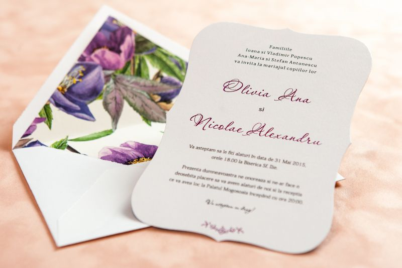 Invitatie nunta cu design floral mov - poza 1