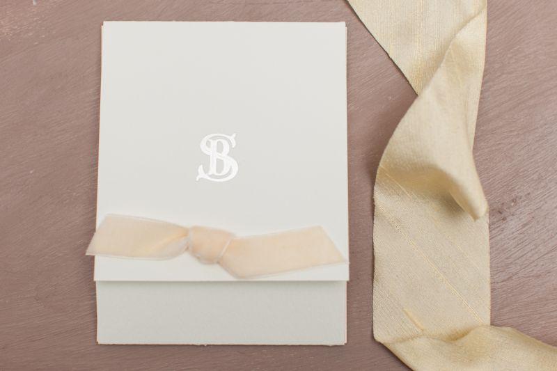 Invitatie nunta cu funda catifea ivory