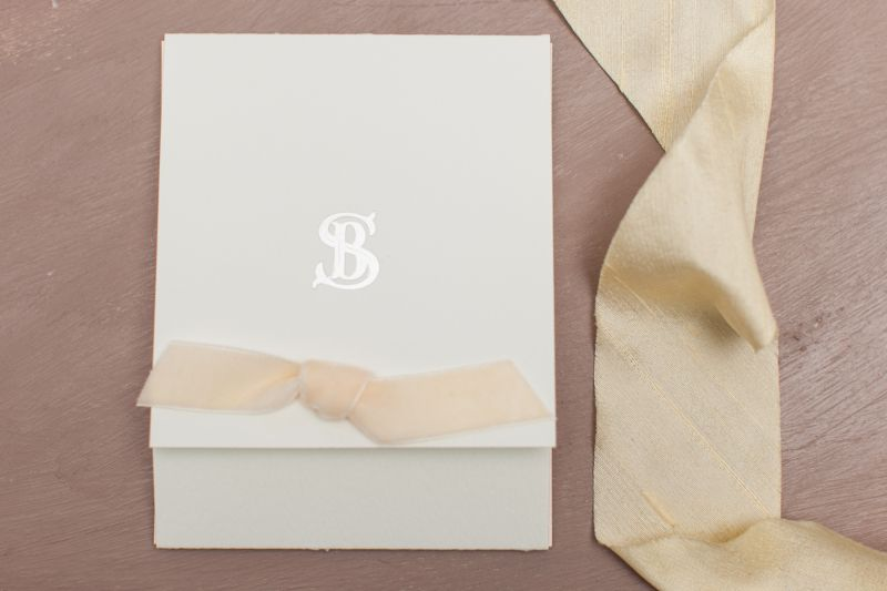 Invitatie nunta cu funda catifea ivory - poza 1
