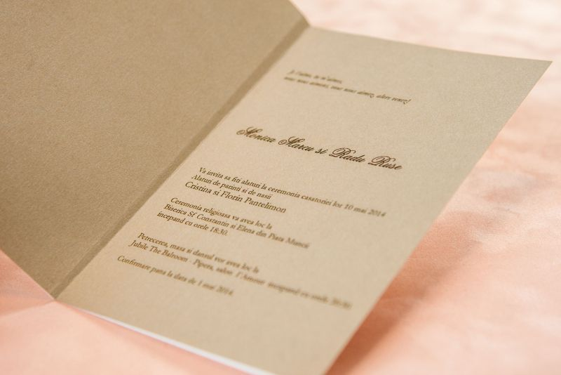 Invitatie nunta eleganta alb cu auriu - poza 3