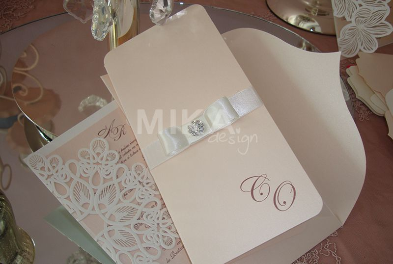 Invitatie nunta eleganta cu accesoriu cristal - poza 1