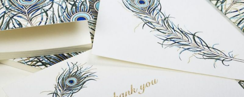 Invitatie nunta cu pene de paun stilizate, auriu si albastru - poza 4