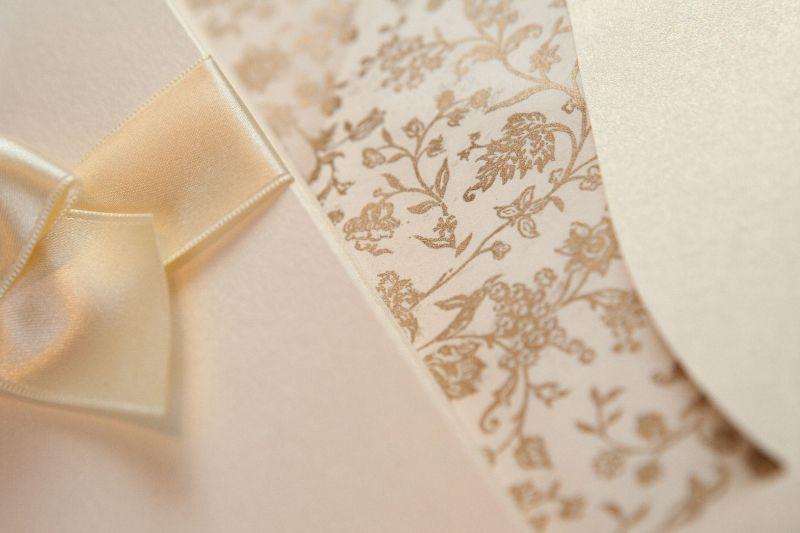 Invitatie nunta eleganta cu plic sidefat - poza 3