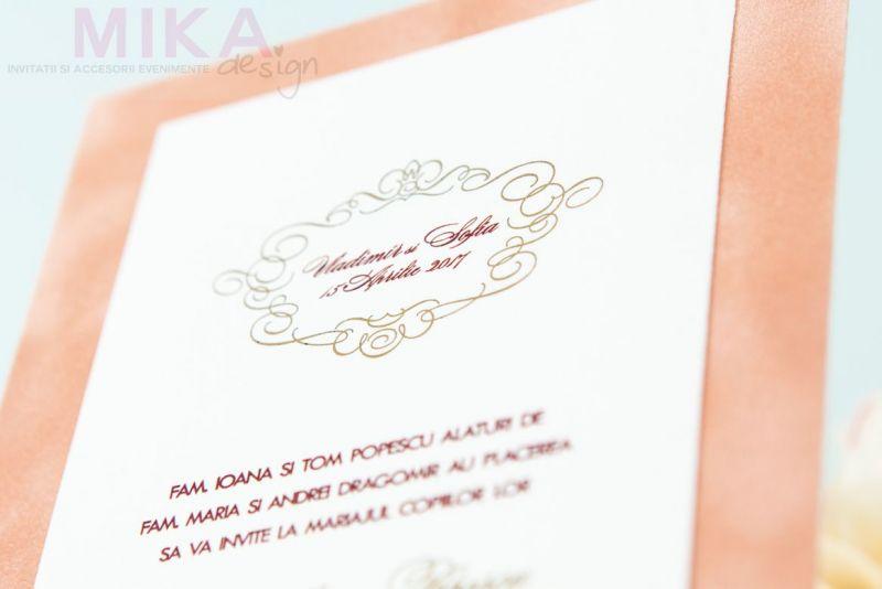 Invitatii nunta catifea crem monograma auriu - poza 3
