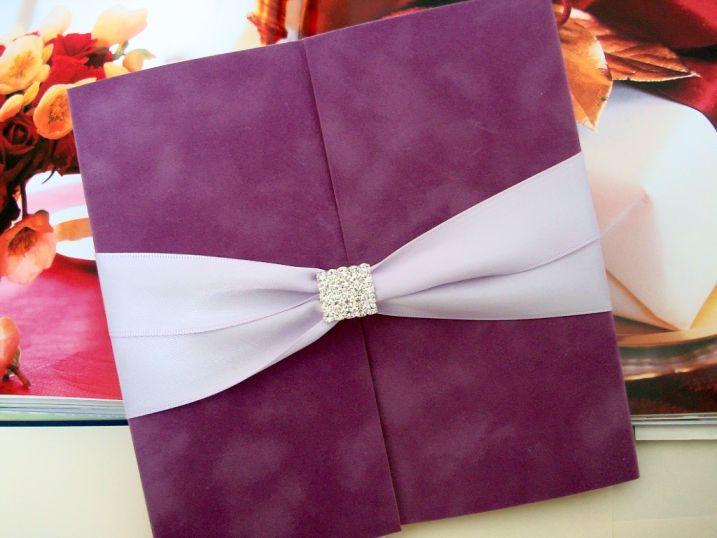 Catifea lila, invitatii nunta de lux - poza 1