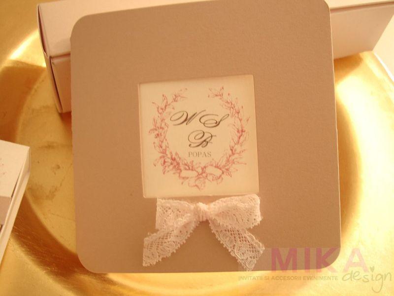 Invitatii nunta eleganta din carton sidefat roz pudrat - poza 1