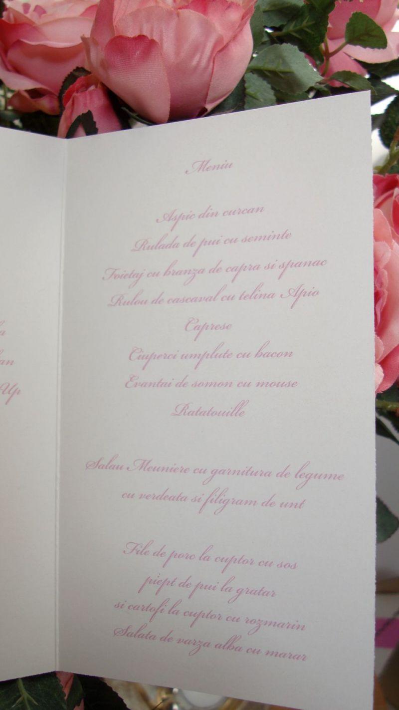 Meniu nunta realizat din carton alb sidefat cu scris auriu - poza 5