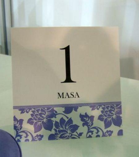 Numar de masa nunta din carton alb usor sidefat