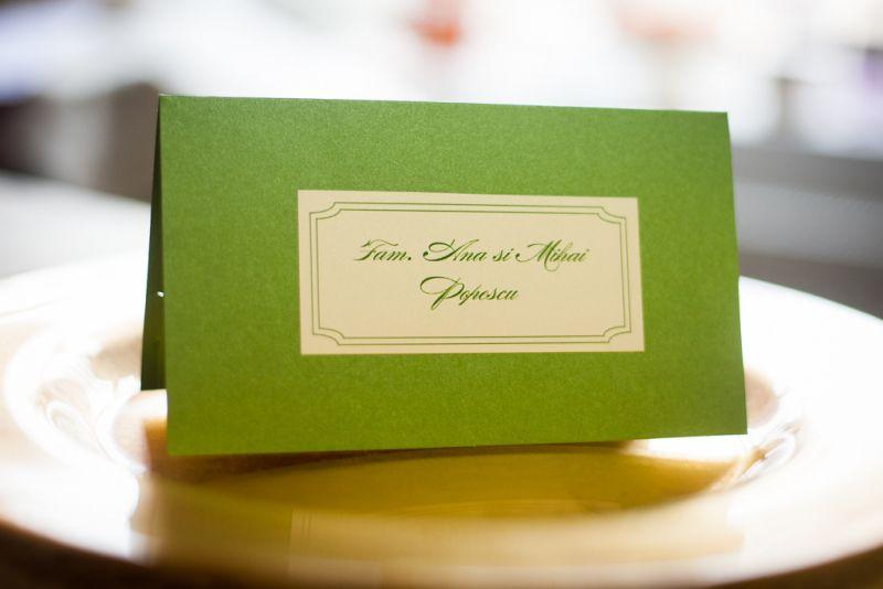 Carton verde sidefat  si eticheta cu nume invitati - poza 1