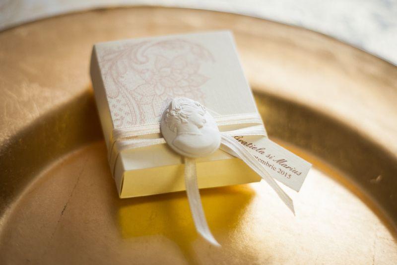 Cutiute marturii nunta camee - poza 3