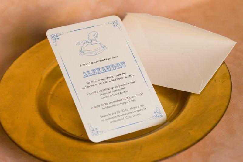 Invitatie botez baietel cu calut bleu - poza 3