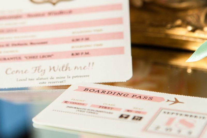 Invitatie botez fata bilet de avion roz - poza 4