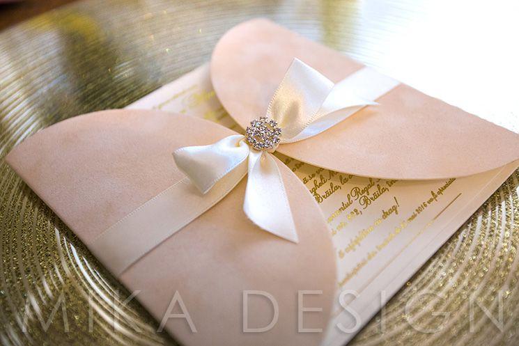 Invitatie nunta catifea ivory cu accesoriu cristal - poza 1