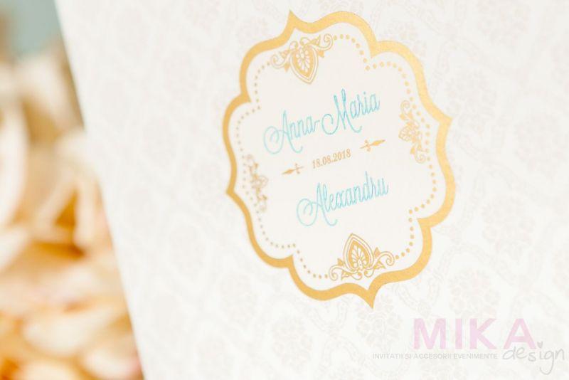 Invitatie nunta delicata cu fundal damask crem - poza 1