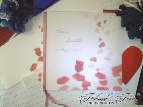 Invitatie nunta cu petale de trandafiri rosii - poza 2