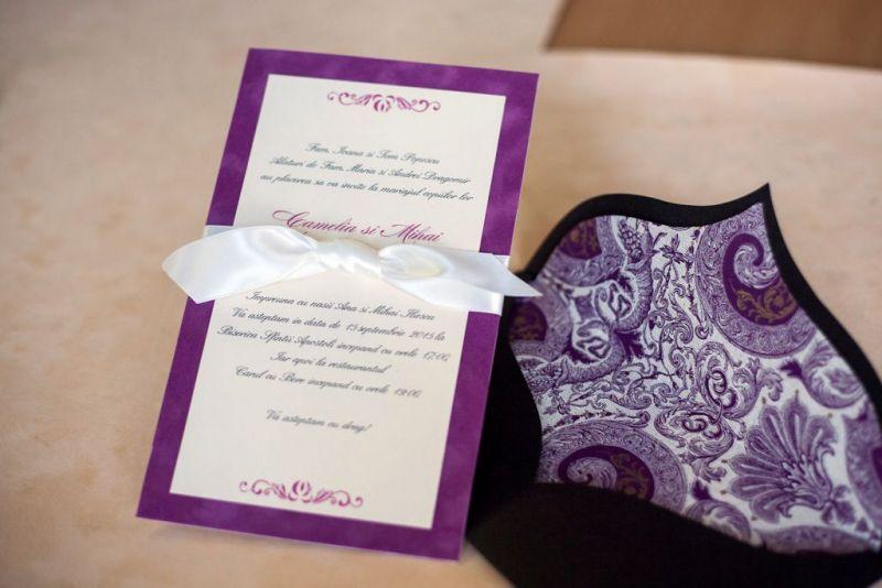 Invitatie nunta din catifea lila - poza 1