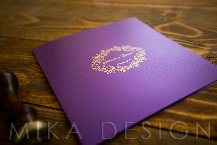 Invitatie nunta mov cu auriu - poza 2