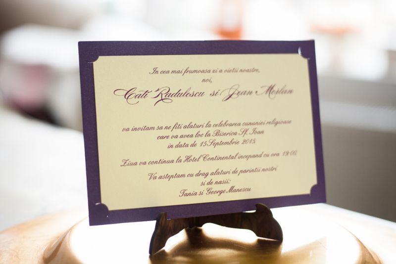 Invitatie nunta mov cu crem - poza 2
