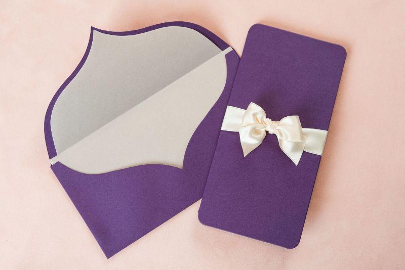 Invitatie nunta mov sidefat - poza 3