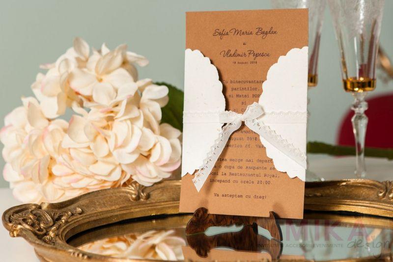 Invitatie nunta vintage cu plic camee auriu - poza 2