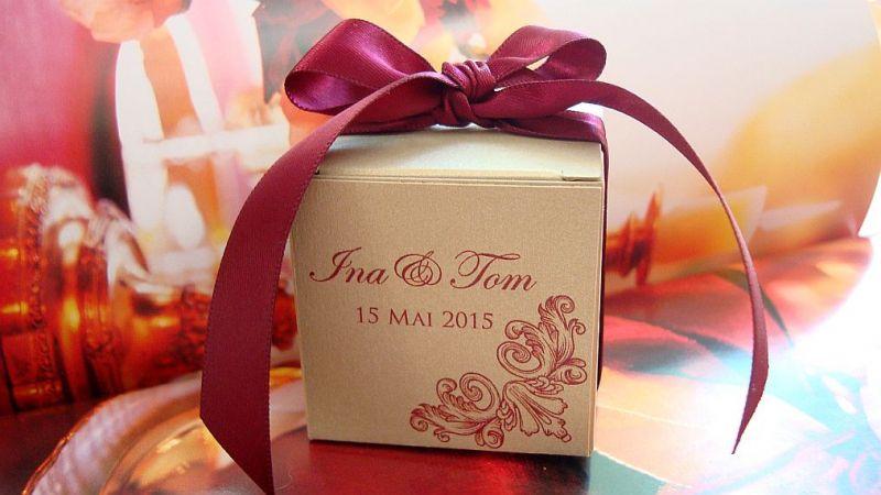 Marturie nunta cutiuta cu capac design baroc - poza 1