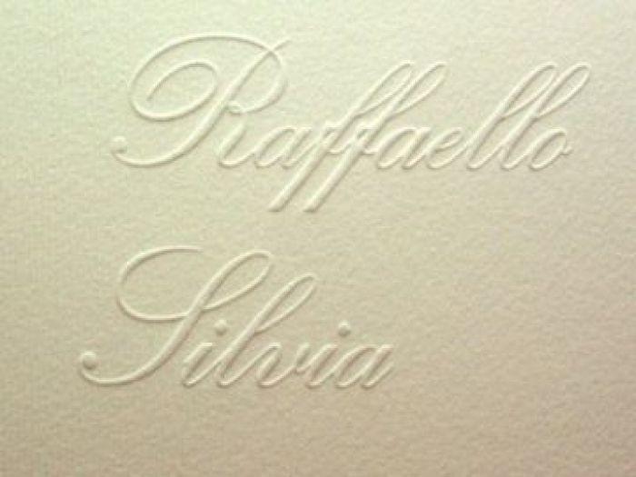 personalizare invitatii nunta cu numele mirilor in timbru sec