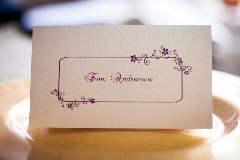 Card de bani pentru nunta cu chenar si floricele mov