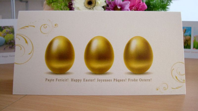 Felicitare de Paste cu oua aurii
