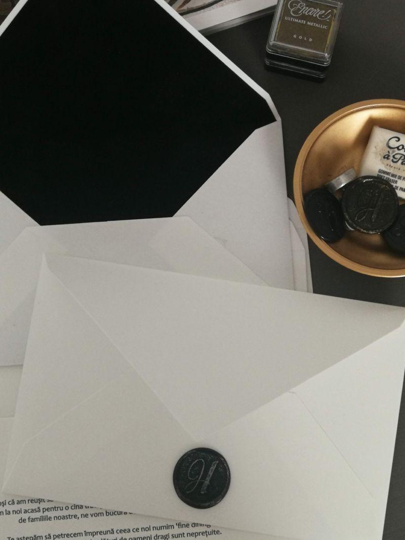 Invitatie eleganta alb negru - poza 3