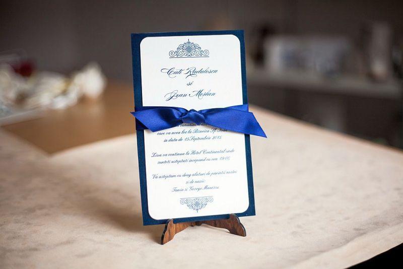 Invitatie nunta din catifea albastra