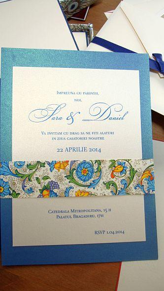 Invitatie nunta cu esarfa din hartie decorativa albastru si auriu - poza 6