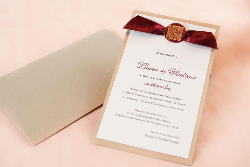 Invitatie nunta auriu cu sigiliu visiniu - poza 1