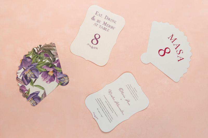 Invitatie nunta cu design floral mov - poza 2