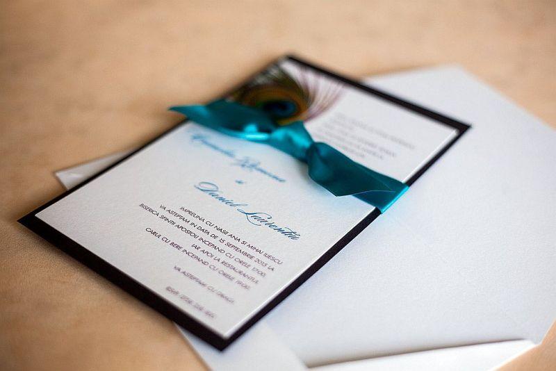 Invitatie nunta cu pana de paun - poza 1