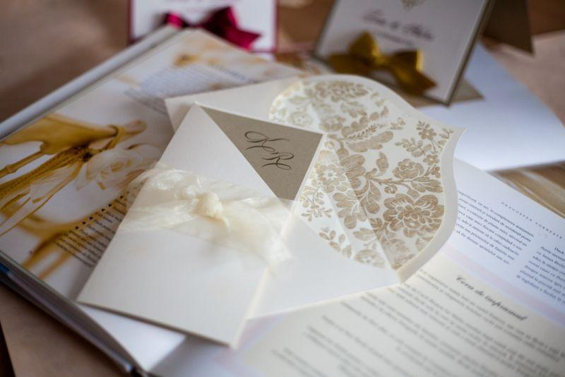 Invitatie nunta diafana ivoire si auriu - poza 5