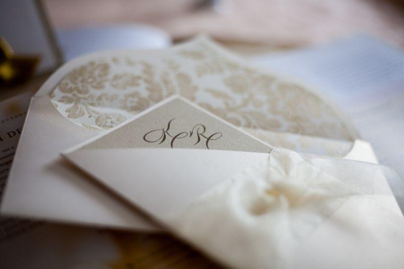 Invitatie nunta diafana ivoire si auriu - poza 2