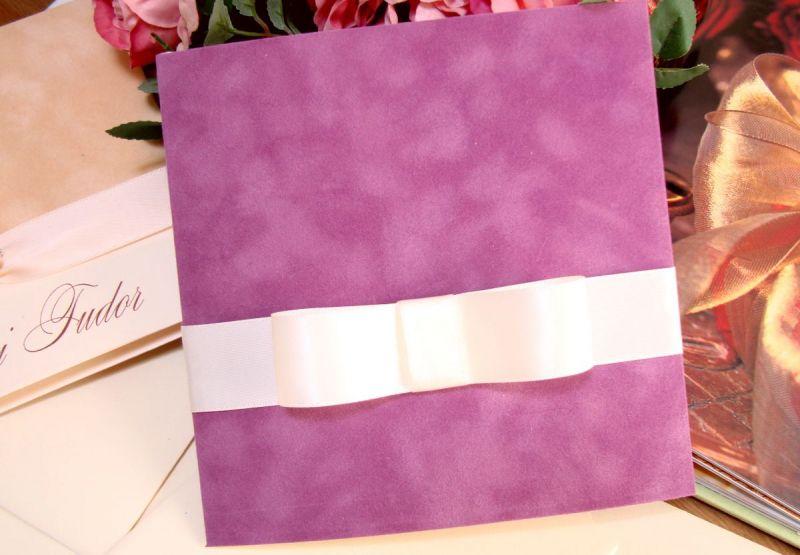 Invitatie de nunta catifea mov, funda lata satin ivoire - poza 2