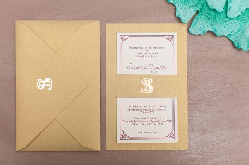 Invitatie nunta eleganta aurie cu monograma aurie - poza 2