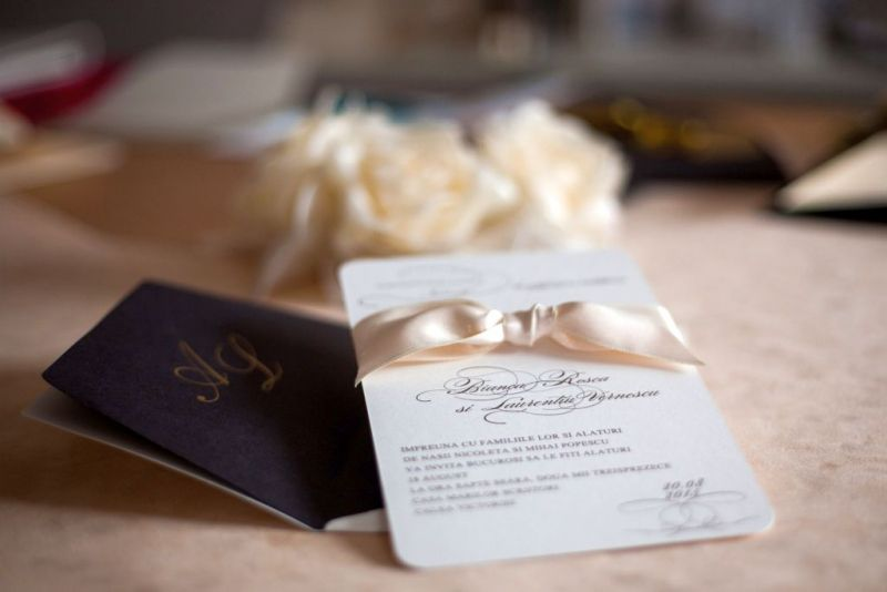 Invitatie nunta eleganta crem si maro - poza 2