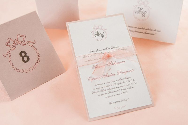 Invitatie nunta eleganta, tematica romantica